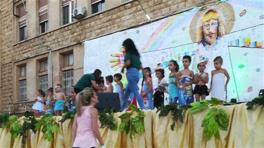Lo spettacolo dei bambini all'oratorio estivo