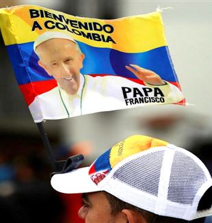 L'attesa per papa Francesco in Colombia