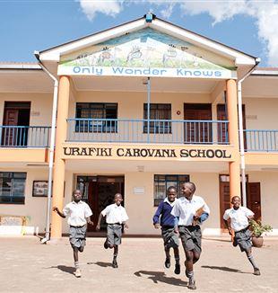 Studenti aiutati da Avsi in Kenya
